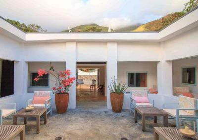 seychelles-courtyard